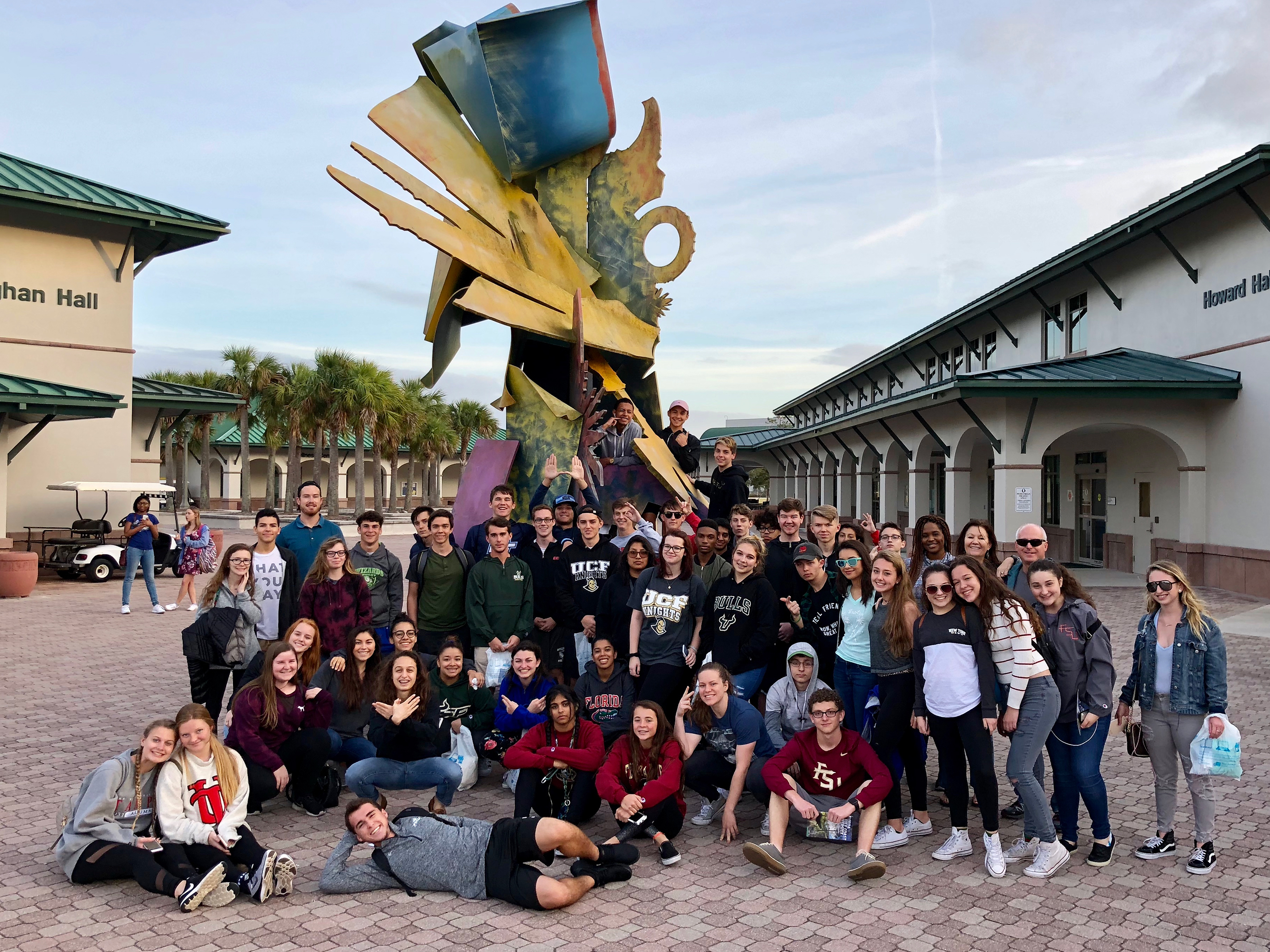 Students on Grand College Tours at FGCU