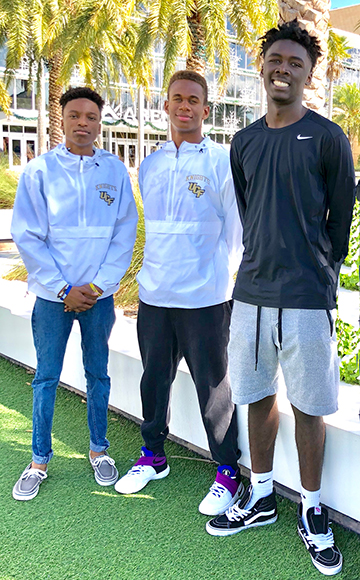 Students on College Tour at UCF